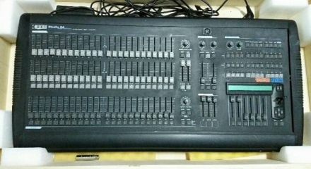 LIGHTING CONSOLLE STUDIO 24 - MARZORATIMPIANTI